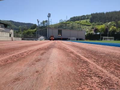 Altamirako atletismo pista berritzen hasi dira